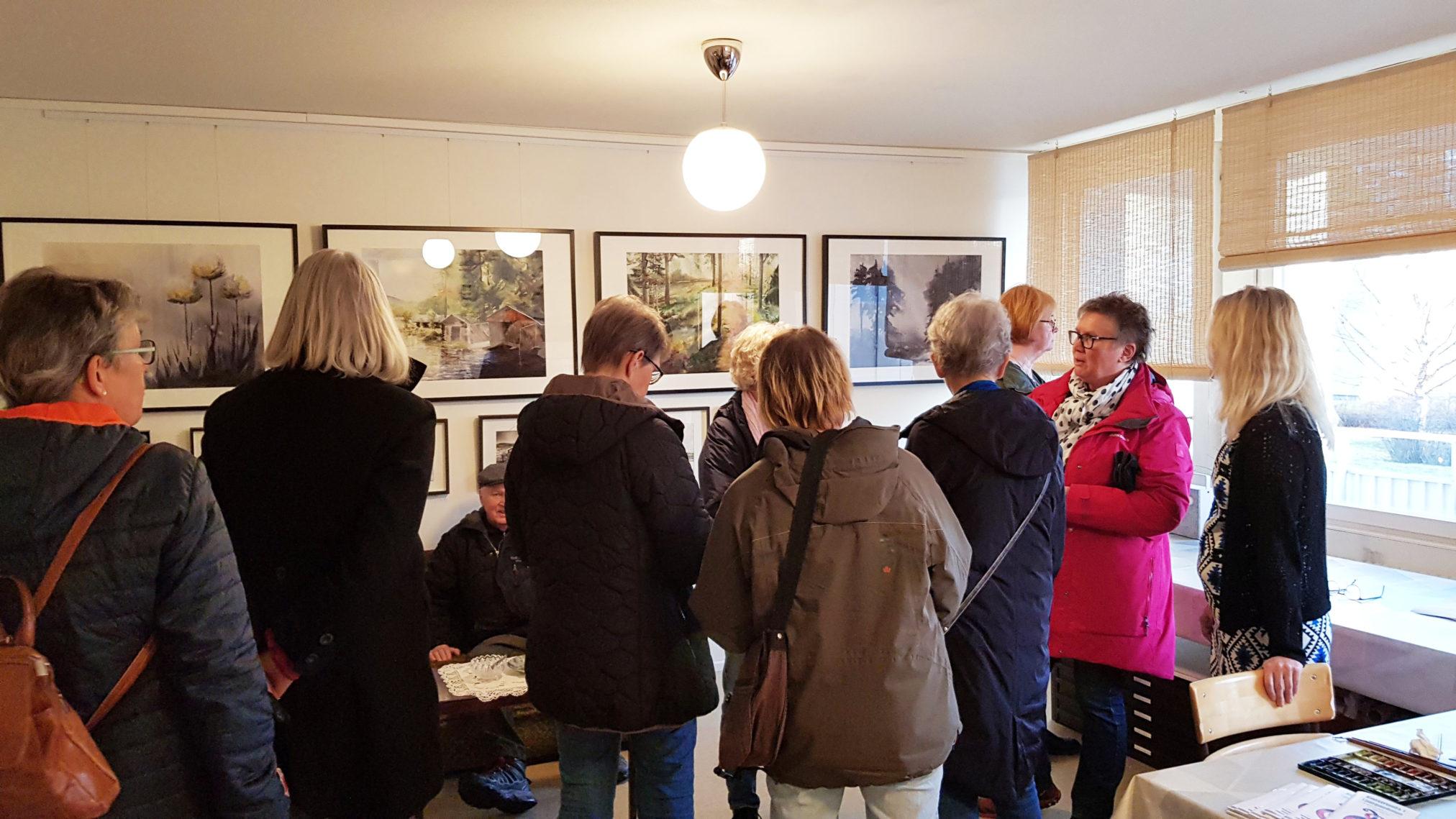 Många besökande i min ateljé på Konstrundan Ljungadalen 2019